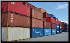 リユース可能品は輸出を行い支払い料金を抑えます。